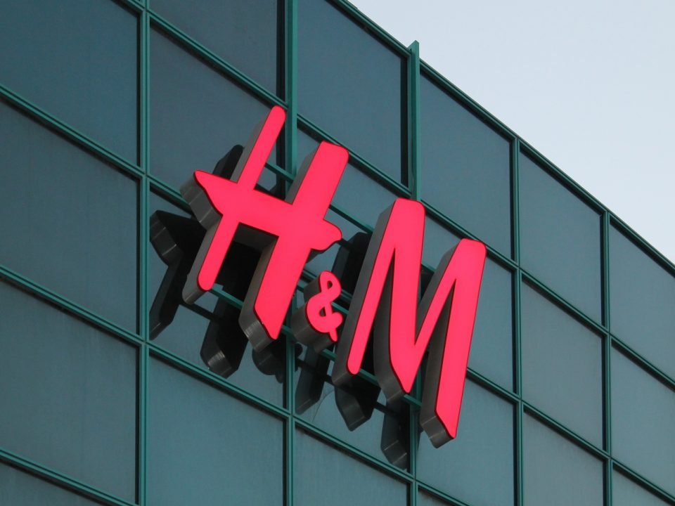 H&M profits Decrease by  88.2% to £174.4m in the year to November 30, 2020