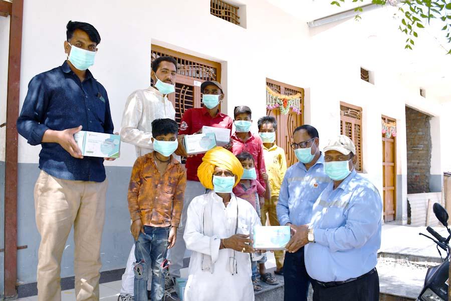 Grasim Industries and Nanliu Enterprise Co. Ltd, Taiwan collaborate to donate 50,000 masks in Nagda, MP